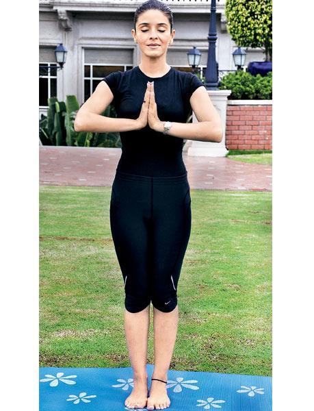 प्रणामासन (Pranamasana - The Prayer Pose) Surya Namaskar (Yoga)