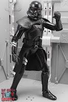 Star Wars Black Series Gaming Greats Electrostaff Purge Trooper 22