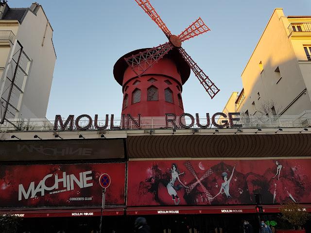 Le Moulin Rouge - Place Blanche