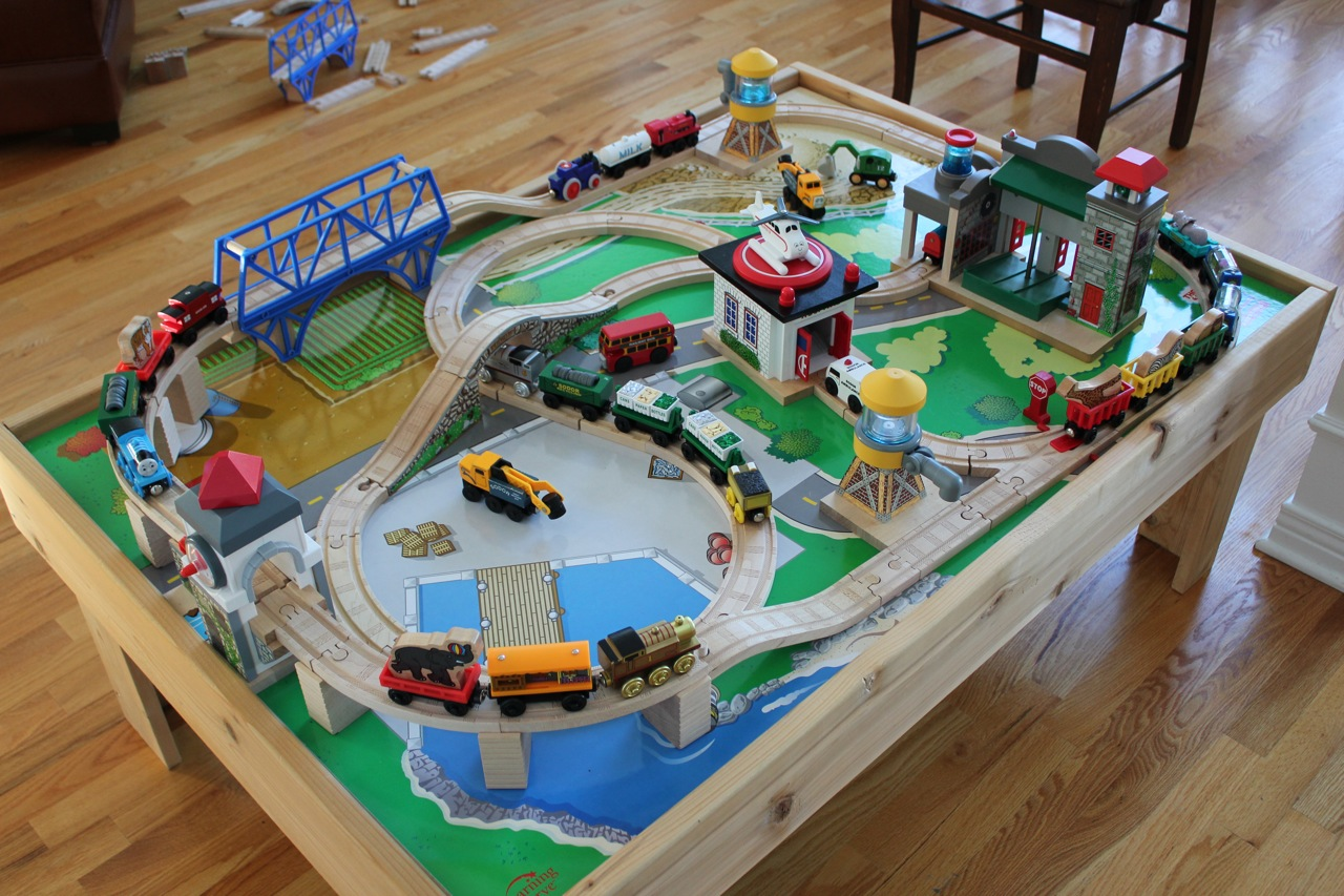 For Sale in Ottawa: Thomas the Train Table and set for ...