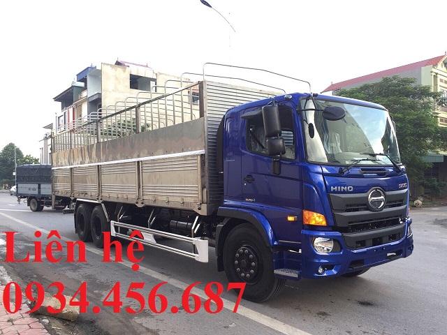 Đóng thùng xe tải theo yêu cầu khách hàng