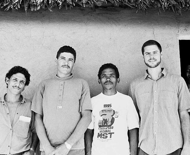 Michael Shellenberger não é um reacionário, mas ficou escandalizado com os males do alarmismo ambientalista. Na foto no Maranhão em 1995