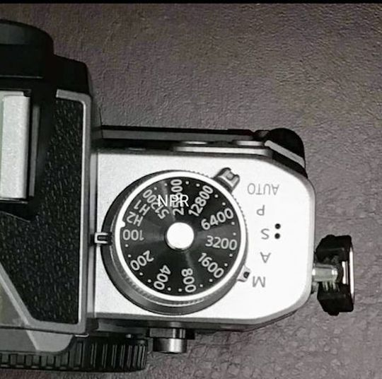 Диск управления чувствительностью на новой камере Nikon