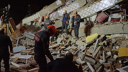 بالفيديو زلزال قوي يهز شرقي تركيا