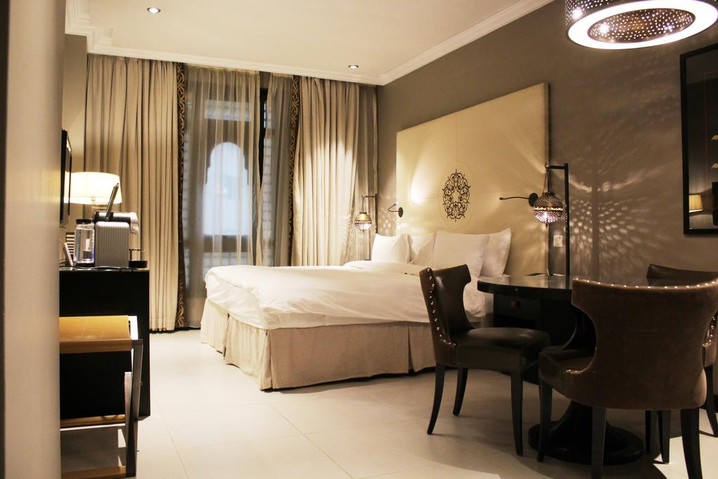 Regal and Comfortable Suites