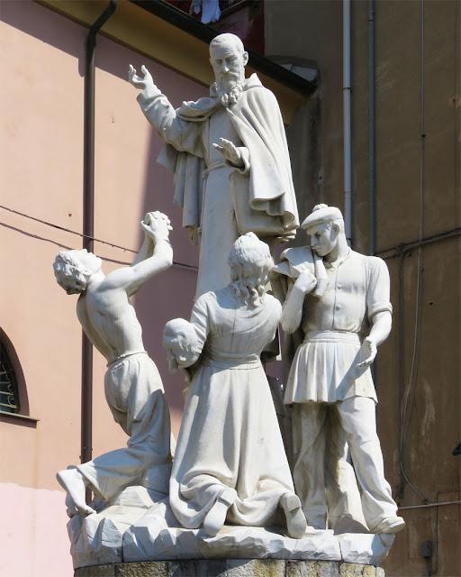 Statue dedicated to Francesco Maria da Camporosso Padre Santo by Guido Galletti, Santuario di Nostra Signora delle Grazie al Molo, Piazza delle Grazie, Genoa