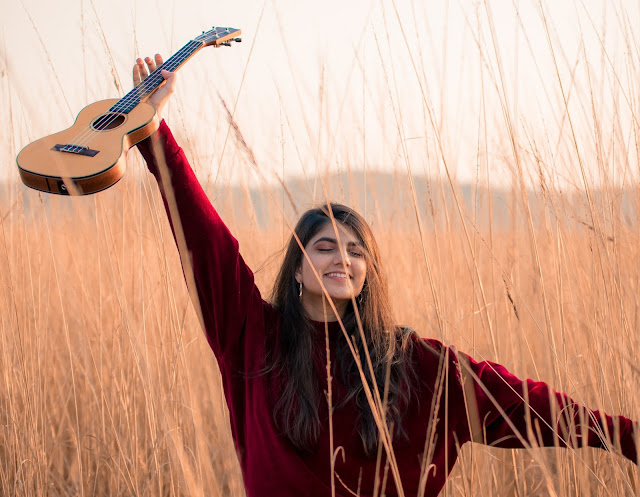 Sanya Shahzad is a Pakistani singer, songwriter, and multi-instrumentalist. Picture credits: Zulqarnain Ali.