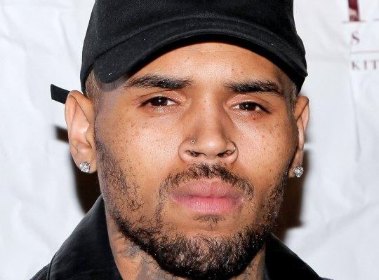 Le chanteur américain Chris Brown en garde en à vue pour un viol en France