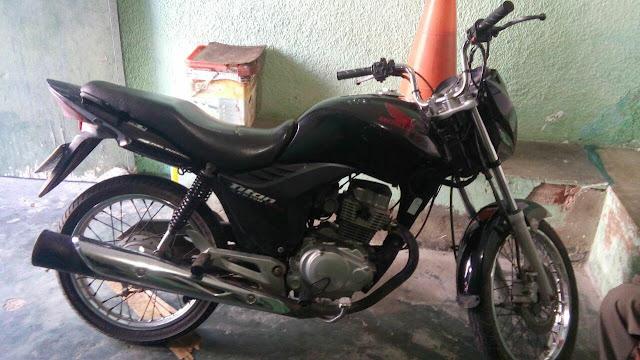 Em Olho D'Água do Casado, homem  é  preso conduzindo motocicleta com queixa de roubo