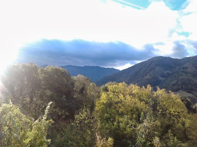 La montaña desde el camino