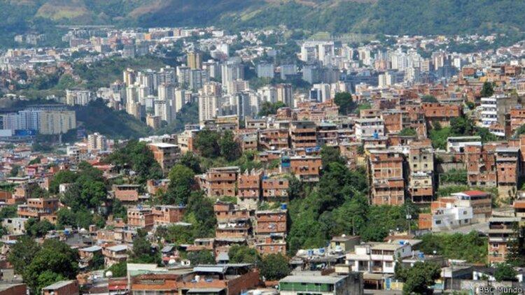 Venezuela, se necesitan 4.000 años de salarios completos para comprar una casa