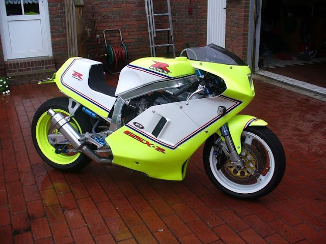 Unusual and beautiful custom Suzuki GSXR 1100 single seater.