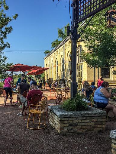 Collectivo Coffee House at Historic Pump House on Lakeshore Srive