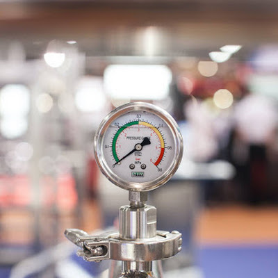 The Center of Pressure - Fluid mechanics lab report
