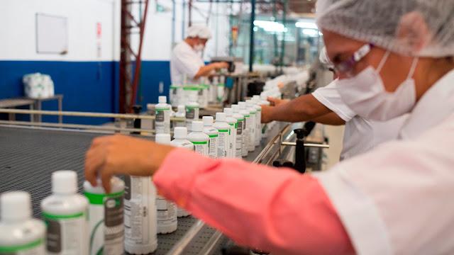 Herbalife del Ecuador presentó su primera línea de producción local en alianza con Sumesa