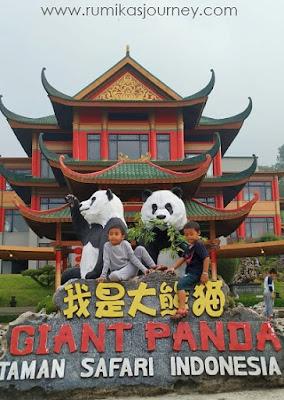 bagian-depan-istana-panda-taman-safari-indonesia-bogor