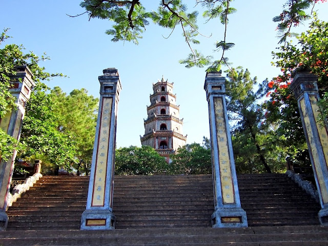 Guide to your one day fulfilled trip in Hue 2