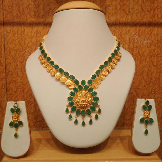 Light weight emerald lakshmi kasu necklace