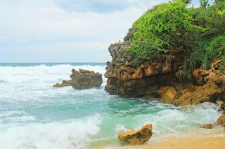 Gambar Tempat Wisata Pantai Pasetran Gondo Mayit