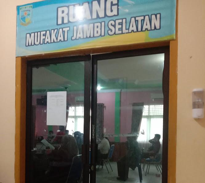 rapat pleno pilgub jambi di kecamatan jambi selatan