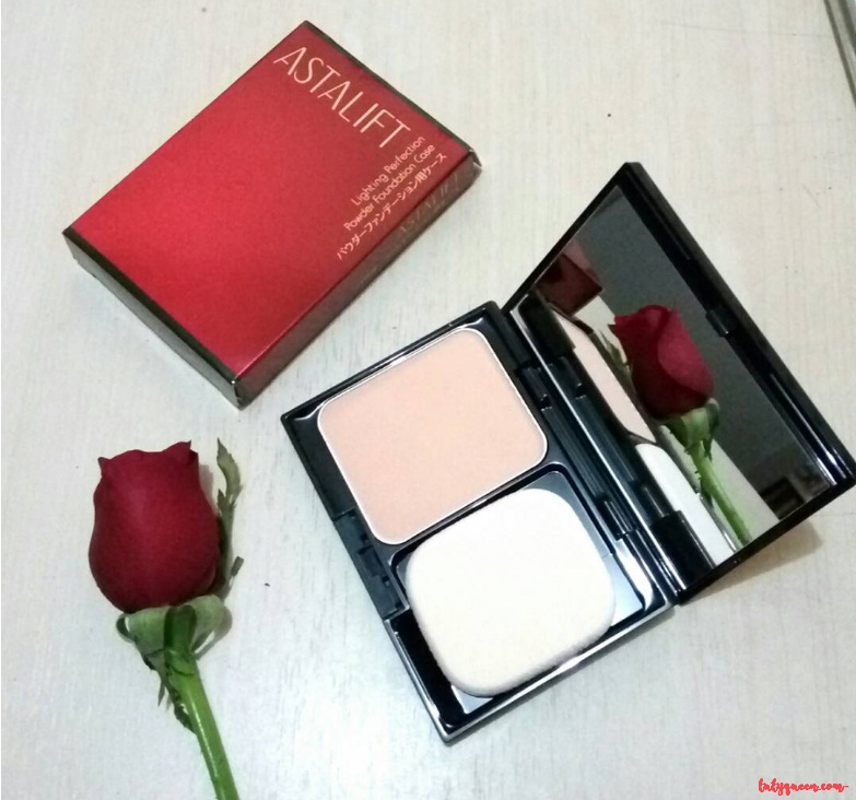 Astalift Lighting Perfection Powder Foundation
