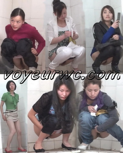 ShareVoyeur 654-703 (Young girls pee in the public toilet - hidden camera)