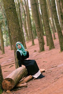 Hunting Foto Model Hutan Pinus Mangunan