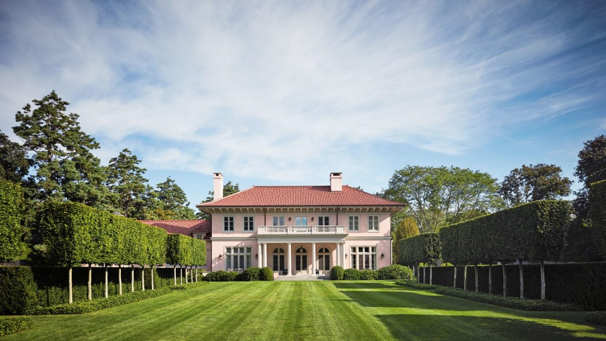 House Beautiful: Southampton Elegance