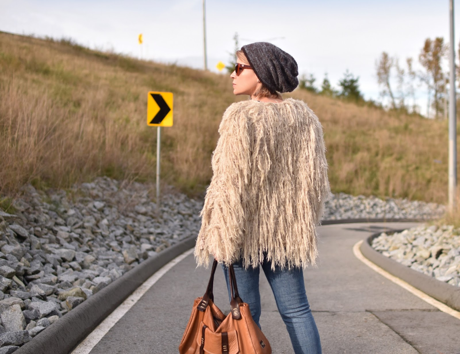 Outfit inspiration c/o Monika Faulkner - shaggy cardigan, skinny jeans, ivory booties, woolen beanie