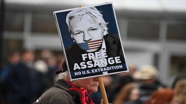 Reanudan en Londres juicio contra Julian Assange