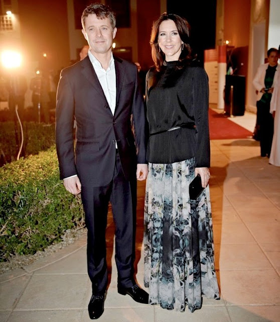 A picture from the farewell reception. Princess Mary and Prince Frederik attended a farewell reception at the Danish embassy in Riyadh, Saudi Arabia.