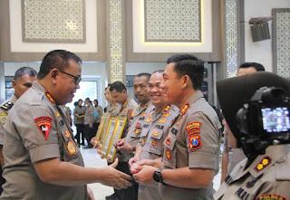 Kapolres Lumajang Dapat Penghargaan PIN EMAS Dari Kapolri