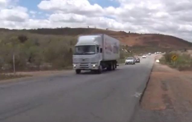 Reportagem da TV Jornal mostra dificuldades de motoristas com paralisação da duplicação da BR-104