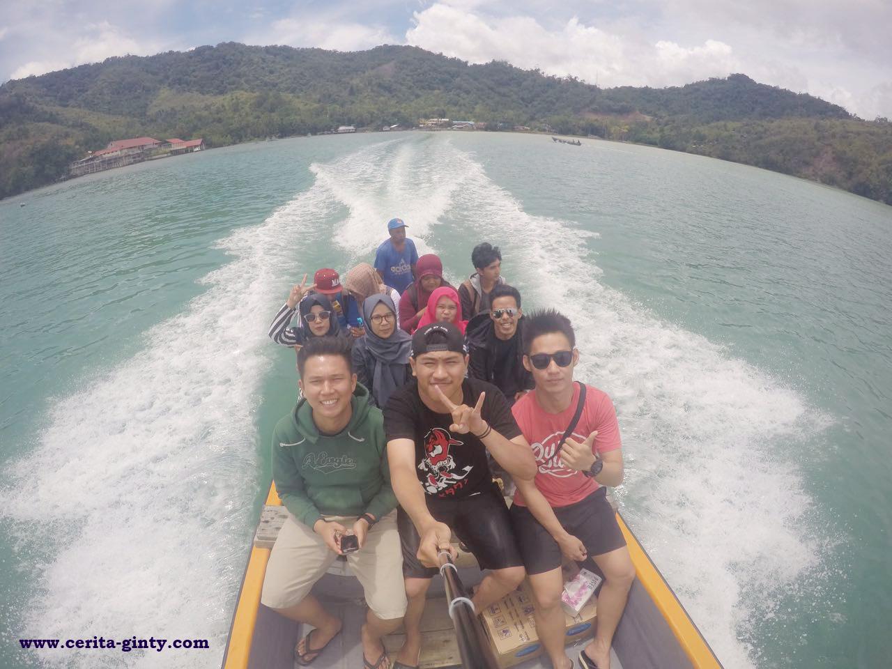Perjalanan Liburan Ke Pantai Sinokisi Sentani Jayapura Papua