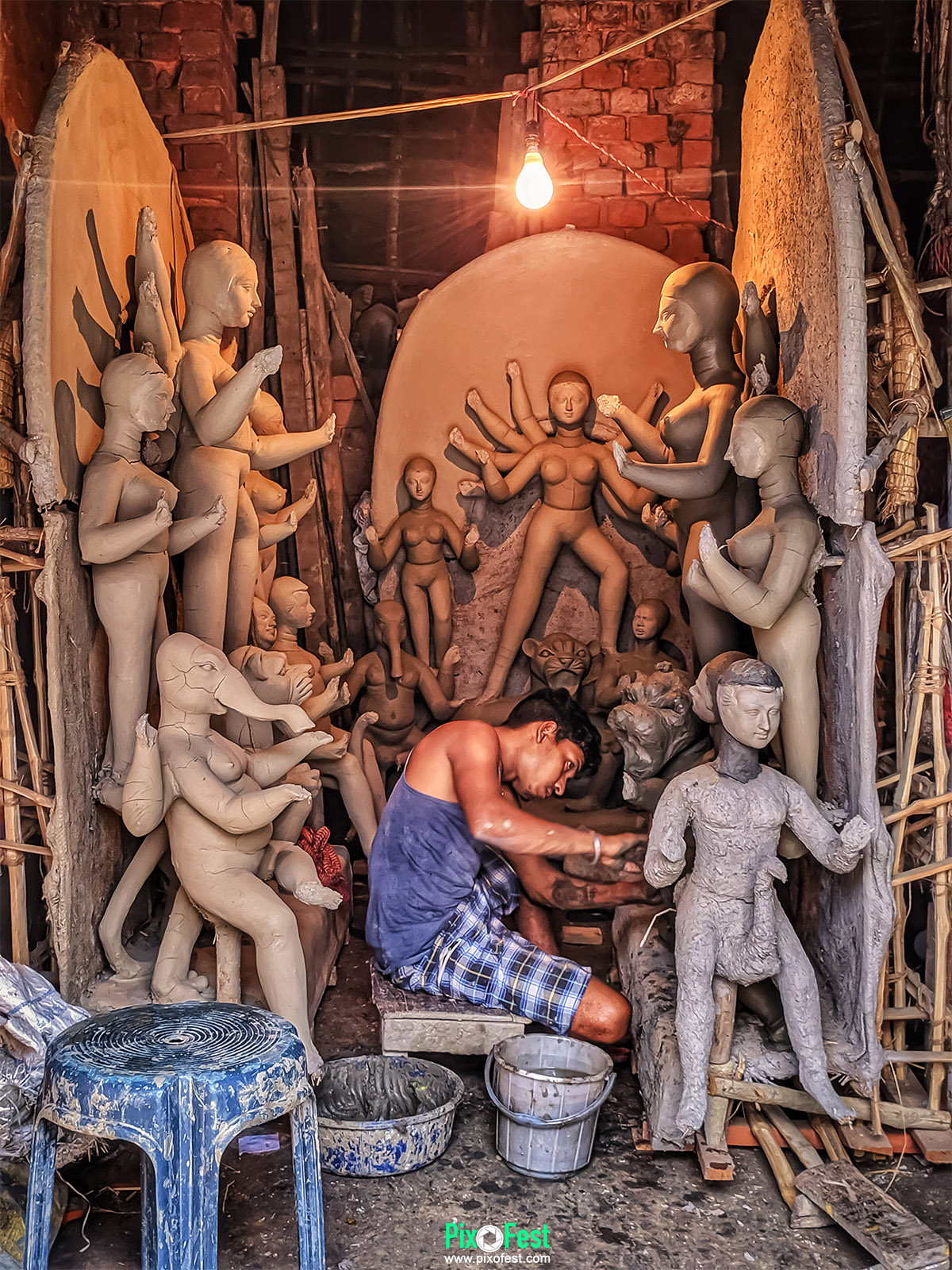 work,soil,durga,maadurga,kumortuli,idol,lightandshadow,light,mobileshot,mobilecapture,mobilephotography,photography,pixofest