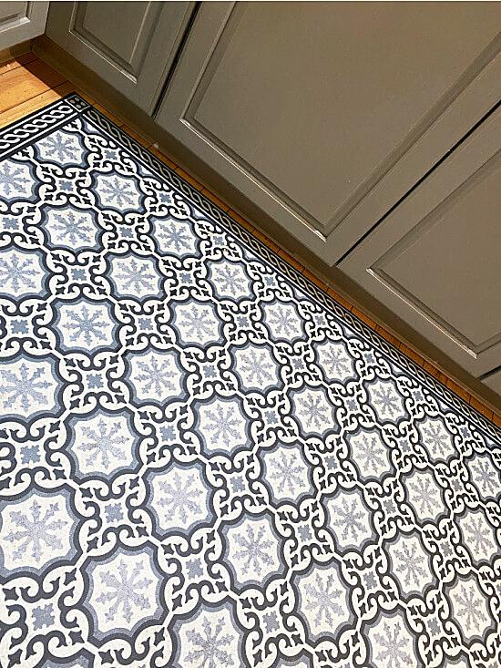Ballard floor mat