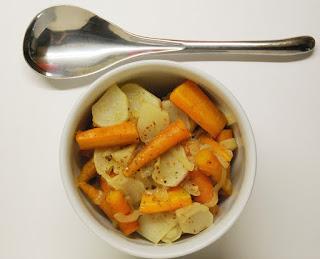 Carottes, navets et oignon au curry