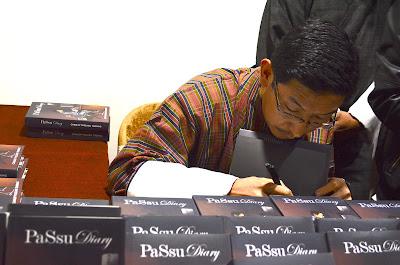 PaSsu Diary: Book Signing