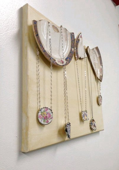 Dishfunctional Designs Creative Ways To Display Jewelry