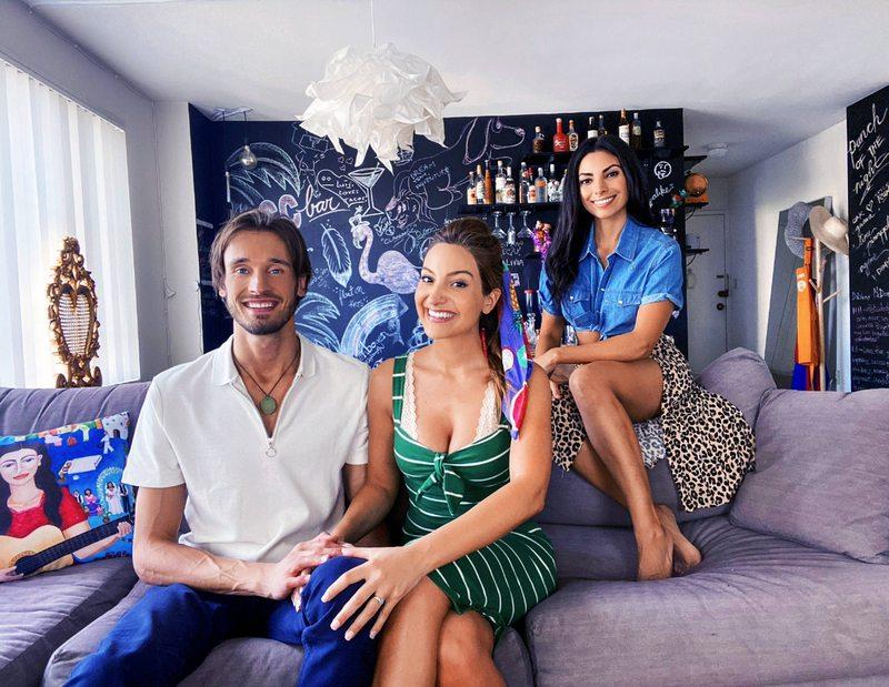 Daniela Palavecino cuenta cómo es vivir junto a su hermana y su marido