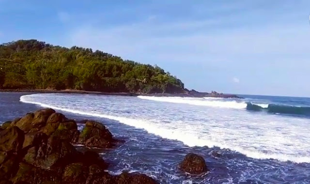 Lokasi dan harga tiket masuk Pantai Wedi Ombo GunungKidul Yogyakarta