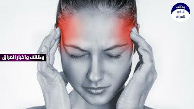 يعتبر الصداع النصفي واحداً من اهم الامراض المزمنة التي يعاني منها اغلب الاشخاص حول العالم بشكل شبه يومي.  السبب الدقيق وراء حدوث الصداع النصفي غير معروف ، ولكن يُعتقد أنه ناتج عن نشاط الدماغ غير الطبيعي الذي يؤثر مؤقتًا على الإشارات العصبية والمواد الكيميائية والأوعية الدموية في الدماغ.  تم اقتراح العديد من مسببات الصداع النصفي المحتملة ، بما في ذلك العوامل الهرمونية والعاطفية والجسدية والغذائية والبيئية والطبية.  المحفزات العاطفية للصداع النصفي تختلف حسب المشاكل التي يعيشها الشخص ومنها: ضغط عصبى القلق التوتر صدمة الكآبة الإثارة  الاسباب الجسدية لحدوث الصداع النصفي ومنها:  التعب والارهاق  قلة وسوء النوم  العمل بنظام الورديات  وضع نفسي سيء  توتر الرقبة أو الكتف  اختلاف اوقات العمل و النوم بين الليل والنهار  انخفاض نسبة السكر في الدم (نقص سكر الدم)  التمارين الشاقة ، إذا لم تكن معتادًا عليه