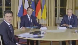 19:24! Останні новини з Парижу! Щось пішло не так! До журналістів вийде тільки два президента (ВІДЕО)
