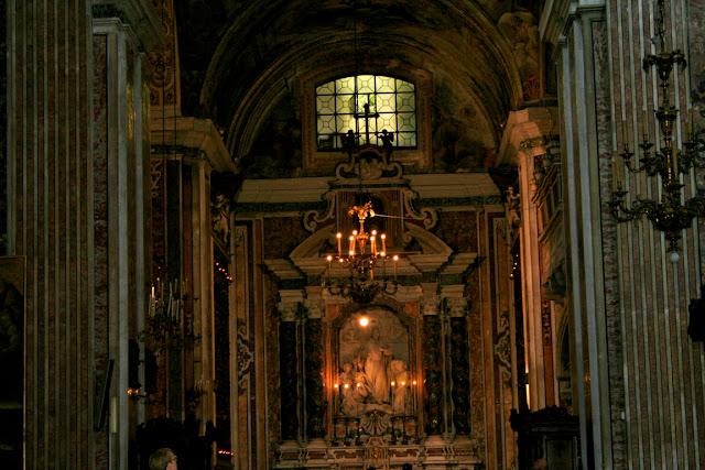 Gesù Nuovo Napoli, chiesa, statue