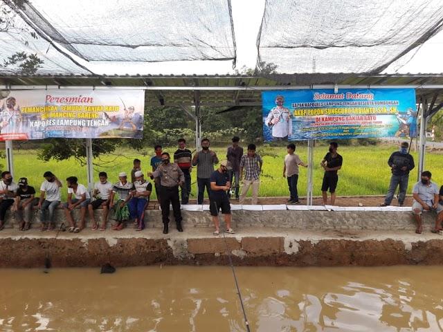 Dengan Menjaga Ketahanan Pangan, Kapolres Menabur Benih Ikan Bersama Masyarakat Kampung Banjar Ratu Lampung Tengah