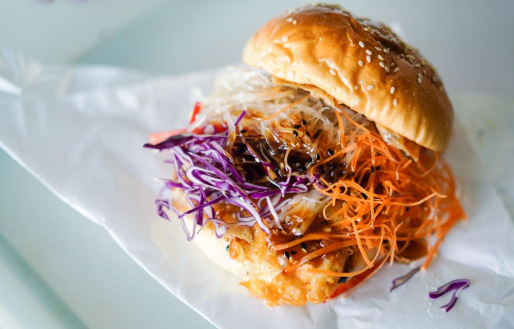 concubine kl: yee sang burger