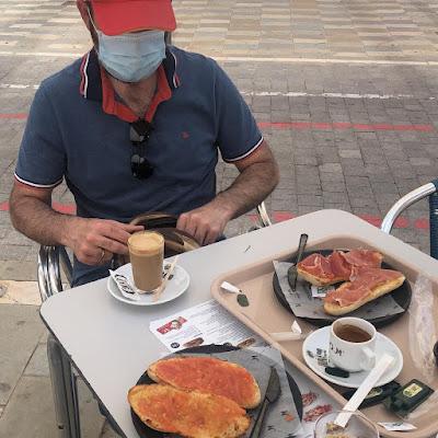 desayuno-en-la-playa
