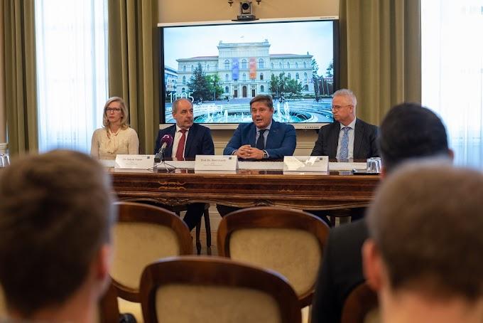 Együttműködési megállapodást kötött az Alkotmánybíróság és az SZTE ÁJTK