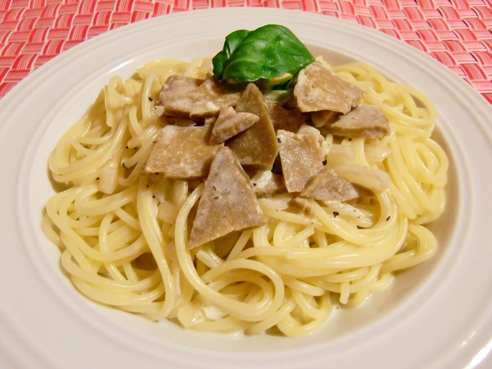 Spaghetti mit vegetarischen Filetspitzen in Sahnesoße