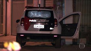 POLÍCIA MILITAR PRENDE HOMEM QUE IMPEDIU A PRISÃO DO FILHO PROCURADO PELA JUSTIÇA